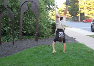 Ross_handstand